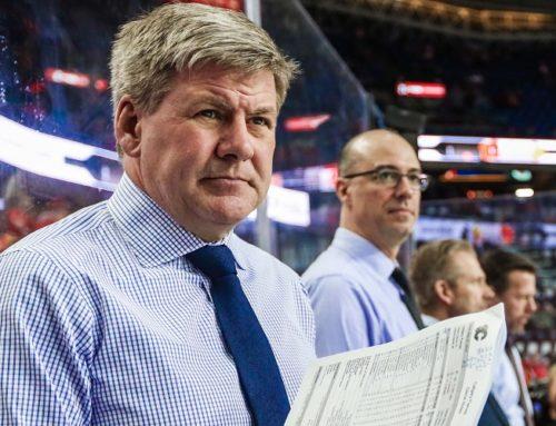 Calgary Flames tränare Bill Peters anklagad för grov rasism och att ha använt fysiskt våld mot tidigare spelare